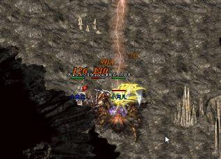 单个职业传奇玩家在尸洞与怪物搏斗时应该做